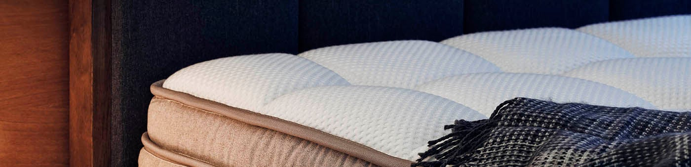 DreamCloud- Comfortable Luxury Mattress
